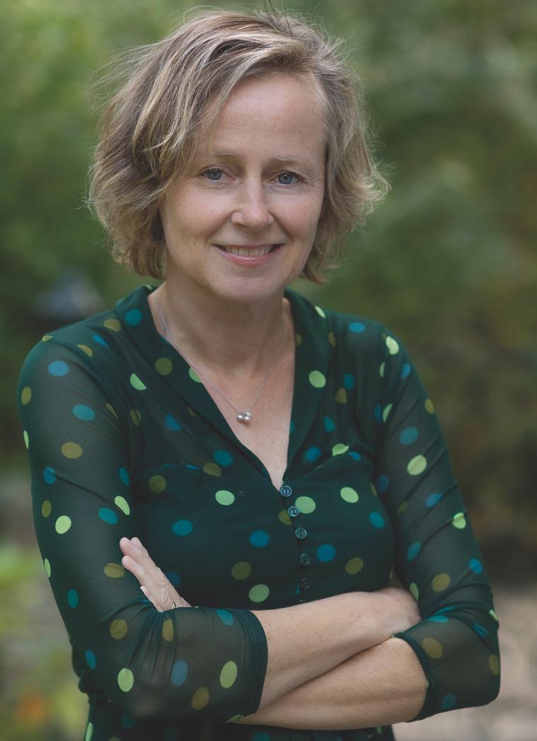 Patricia Nauta signeert boek